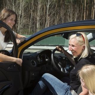 Bild von Ladies Training: Fahrsicherheits Training von Frauen für Frauen